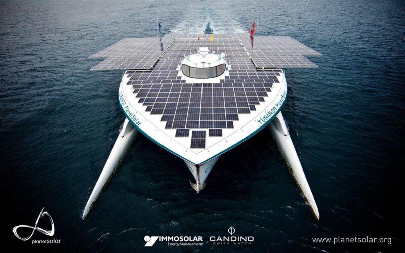 Şekil 9. Güneş Enerjisi İle Çalışan Gemi | Kaynak: Paletsolar.com